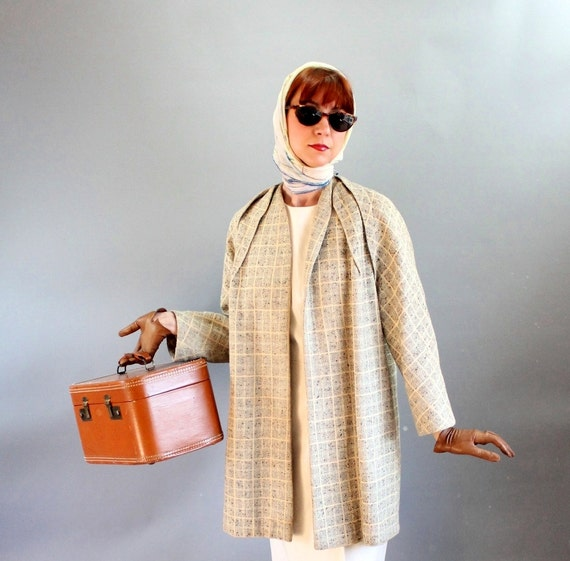 40% Off Sale - 1950s Speckled Cream Gray Plaid Wool Swing Coat. Jacket. Mad Men Fashion. Office. Fall Fashion. Winter. Outerwear. Large