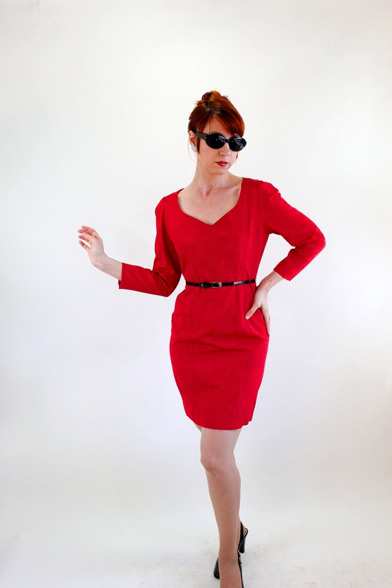 Storewide Sale - 1960s Mod Red Wiggle Party Dress. Mad Men Fashion. Sexy Dress. Cocktail Dress. Fall Fashion