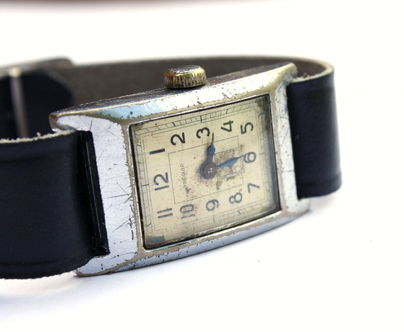 100 Signs of age mechanical wrist watch Zvezda from Russia Soviet Union ladies watch
