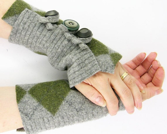 fingerless gloves arm warmers fingerless mittens wrists warmers arm cuffs  recycled wool grey olive argyle eco friendly men curationnation