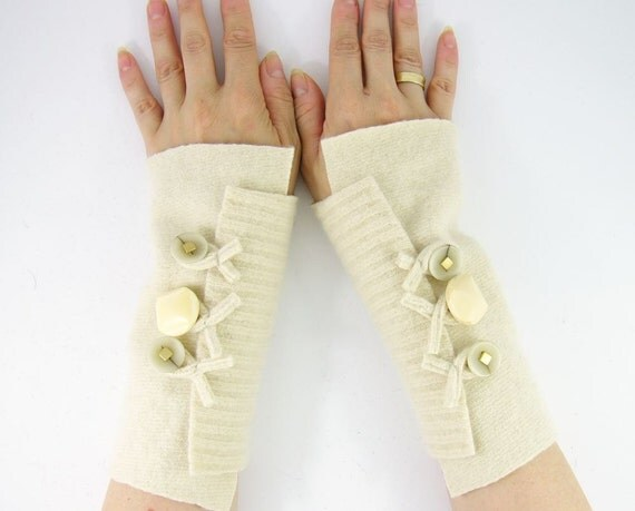 recycled wool arm warmers fingerless gloves fingerless mittens  wrists warmers arm cuffs  cream fall autumn winter white eco friendly