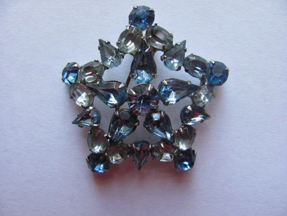 Blue Star Tonight Vintage Brooch