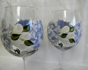 Wine glasses-hand painted Wine glasses-blue Hydrangeas-wine glasses with hydrangeas, painted stemware