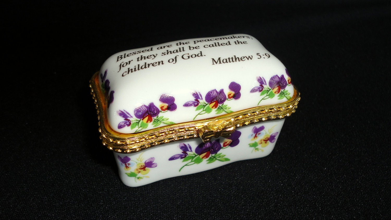 Imperial Porcelain Trinket Box With Gold Trim By