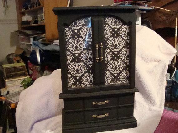 Custom jewelry boxes -