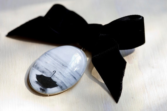 Black and white brooch, Velvet bow pin, Nautical jewelry, Photo jewelry, Unique gift, Woman gift, Ocean art, Seascape, Under 50, Umbrella