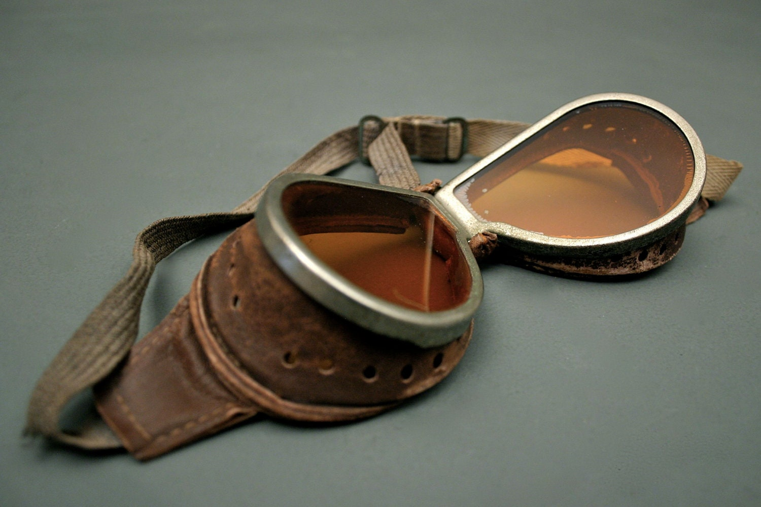 Vintage Aviator Tinted Flying Goggles