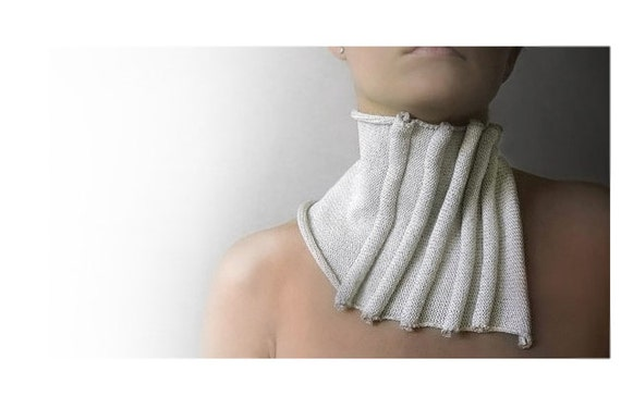 White knitted okapi scarf, fall fashion collection, paris fashion, women, autumn scarf