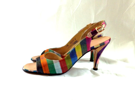 1960s Shoes / Vintage 60s DeLiso color stripe Slingback heels Pumps / Taffy Stripe Shantung slingback1960s shoes