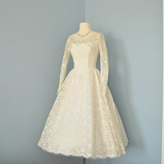 Vintage Wedding Dress...Beautiful 1950s Cream Lace Tea Length Wedding Dress Small