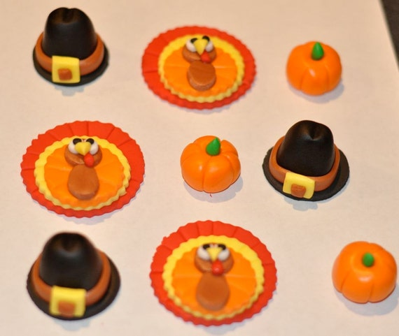 Items similar to Thanksgiving Fondant Cupcake, Cake or ...  Items similar t...