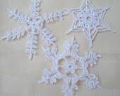 12 Beautiful Crocheted Snowflakes (20114)