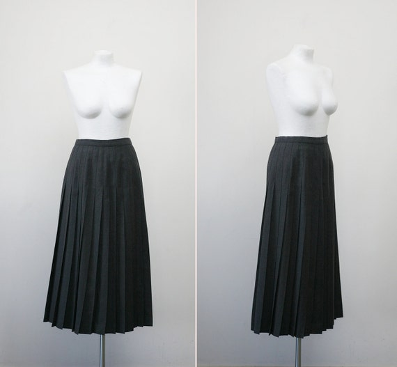 FREE SHIPPING. 1980s grey accordion pleat long skirt (s-m)