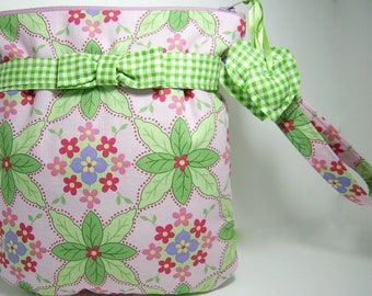 Wristlet Purse Bag Pouch Pink and Green Floral