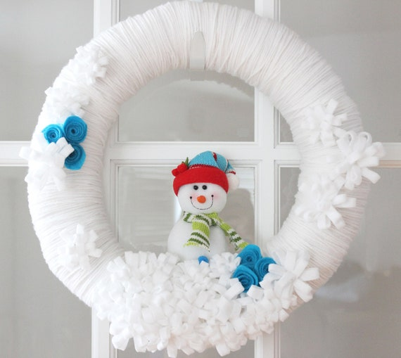 winter white yarn wreath with snowman home decor by