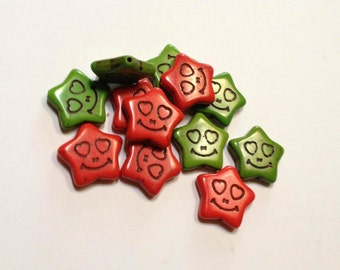 Smiling Stars - Red and Green - Howlite - 12 beads