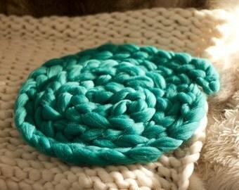 Photo prop 8ft merino wool plait- Spearmint