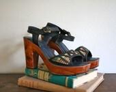 vintage 70s platform sandals - GEOMETRIC cut out sisal sandals / sz 8