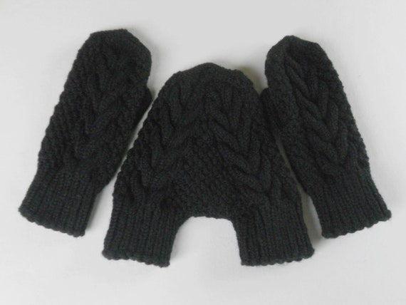 Knitting Pattern For Hand Holding Mittens : Black couple mittens smitten knit wool mittens hand holding