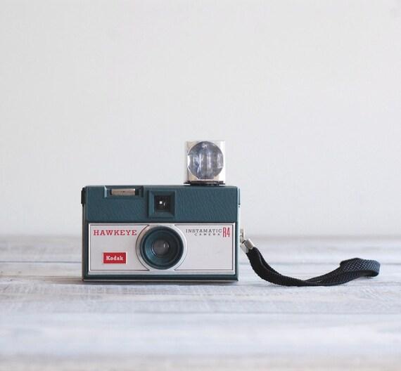 Vintage 1960s Kodak Hawkeye Instamatic R4 Camera