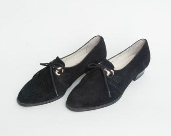 Size 6 Black suede Shoes laced up Golden buckles 80's Dead Stock Vintage
