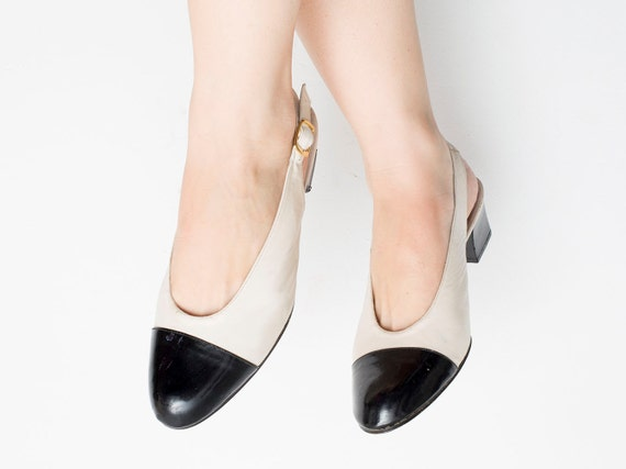 Size 9 two tone Ivory and Black  summer pumps slingback Dead stock vintage