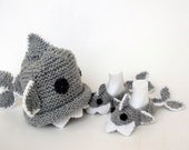 Crochet Baby Shark slippers and hat,Crochet Baby Booties-for Baby or Toddler-Gray baby booties-newborn crochet boy slippers-animal