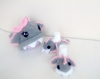 Girl Baby Shark slippers and hat,Crochet Baby Booties-for Baby or Toddler-with bow-animal-pink gray