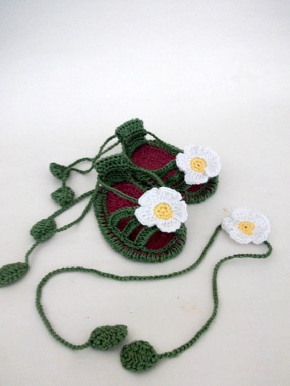 Baby Girls Crochet Shoes with Flowers -Daisy Slippers for little Princesses