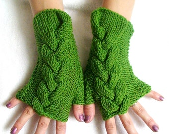 Wrist Warmers Fingerless Mittens Grass Green Cabled Acrylic