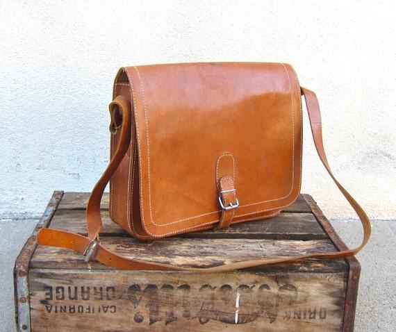 Vintage Camel Leather Medium Saddle Cross Body Bag
