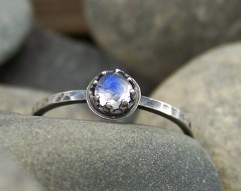Petite Viviane - Faceted Brilliant Rose Cut 4mm Rainbow Moonstone in Sterling Silver Crown Bezel