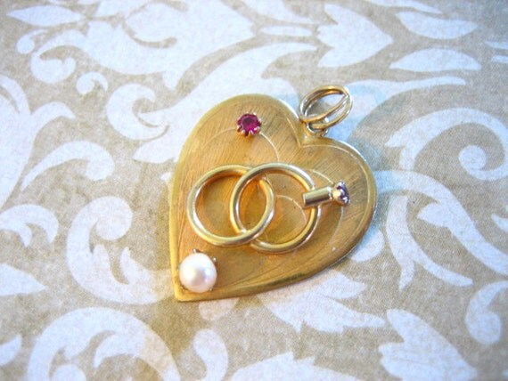 Vintage 12K GF Heart Charm Wedding Ring Set w Pearl and Red Rhinestones