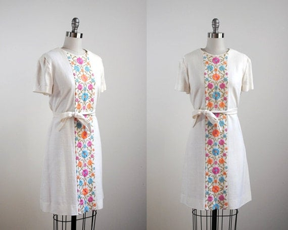 vintage 1960's white dress. 60s floral dress. embroidered. colorful flowers. spring shift dress 60.