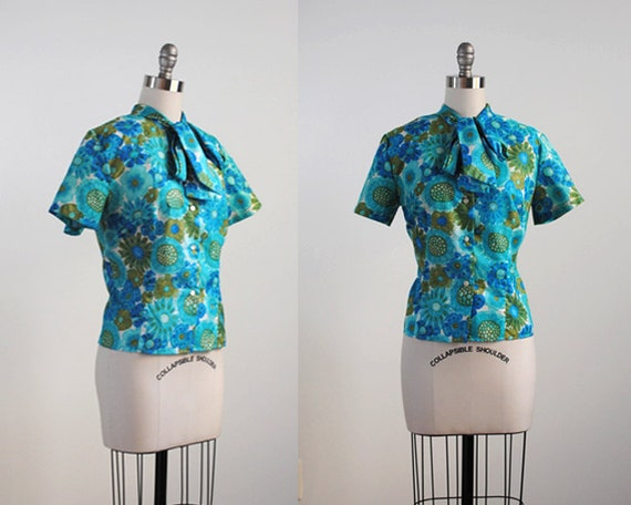 1960's floral blouse. vintage 60's blue top. green. aqua. ascot. button. large. retro print blouse 60.