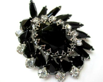 Vintage Jet Black Rhinestone Brooch Juliana Pin Classic Black Vintage Jewelry Rhinestone Brooch Mourning Pin