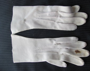 Vintage Ivory Nylon Ladies Gloves - 10.5 Inches Long - Crescendoe (F29)