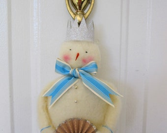 Snowmen Welcome says this Darling Hanging Snowman