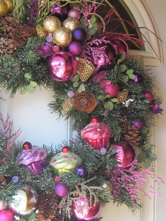 OOAK Hot ChriStMaS cuPCaKEs Ornamental Wreath Home Decor