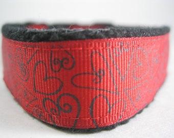 Hemp dog collar - Black and Red Hearts