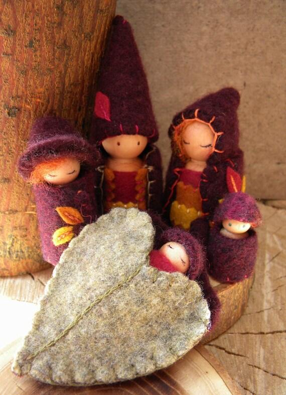 Waldorf Family Playset Peg Doll Play Set Family Doll House