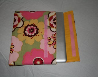 "13"" MacBook/MacBook Pro/Retina display Floral/Yellow laptop sleeve"