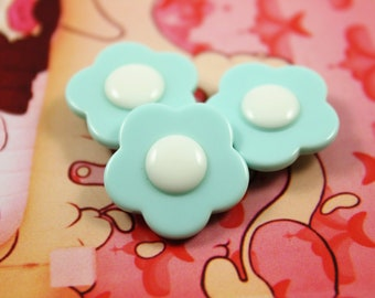 Flower Plastic Buttons - Baby Blue Flower in Full Bloom Plastic Buttons. 10 in a set, 0.83 inch