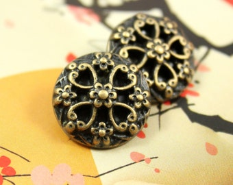 Metal Buttons - Hearts Flower Metal Buttons , Antique Brass Color , Shank , 0.71 inch , 10 pcs