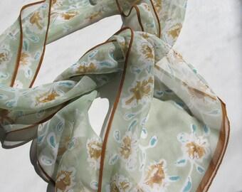 SALE Beautiful Vintage Vera Neumann Scarf mint long