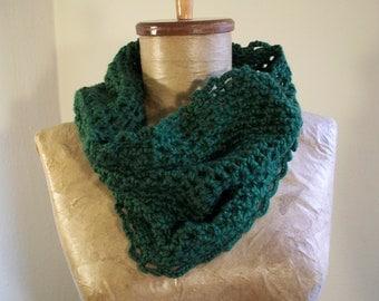 soft forrest green cowl- crochet neckwarmer