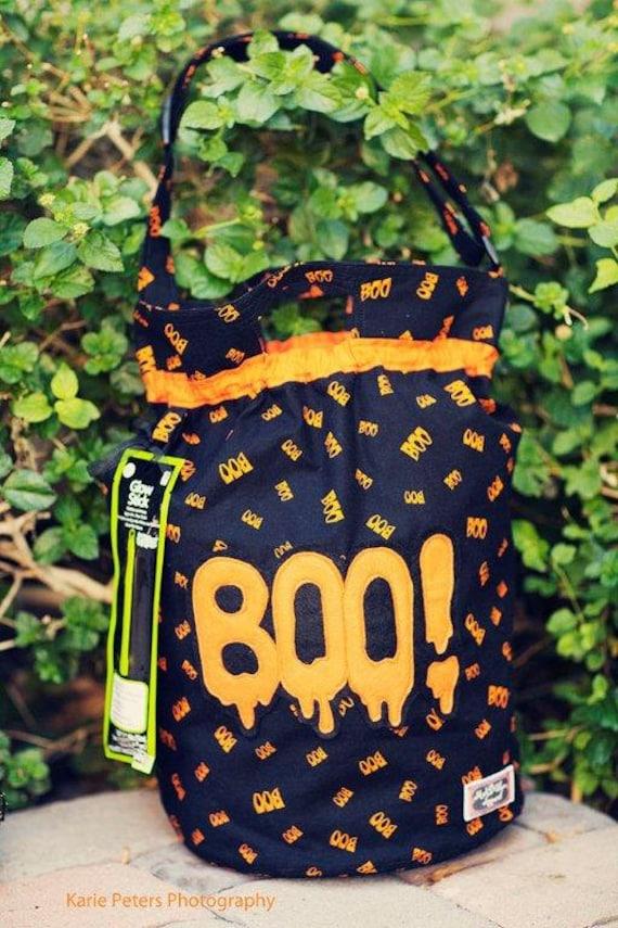 Halloween Trick or Treat Bag/ Re-usable Trick or Treat Bag/ Duffle Bag/ Eco-friendly/ Black Orange BOO