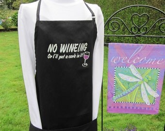 Wine Lovers RV apron. Has screen print logo and grape buttons.