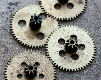 Vintage clock brass gears -- set of 4 -- D16