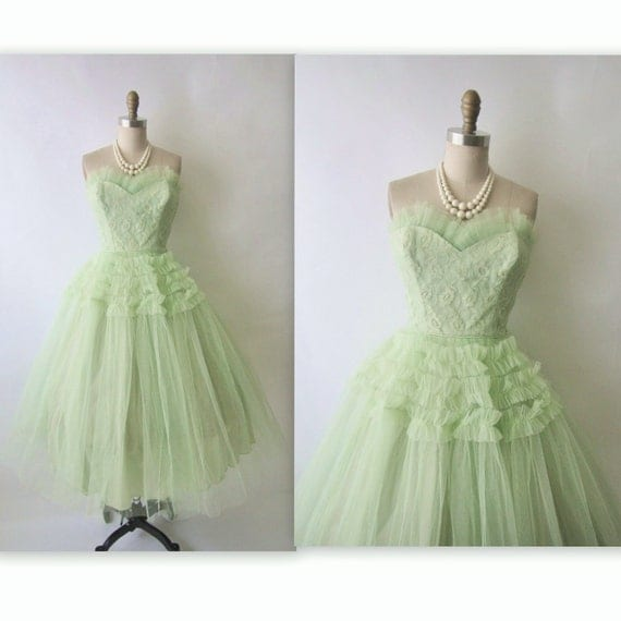 50's Tulle Prom Dress // Vintage 1950's Strapless Tulle Shelf Bust Wedding Party Prom Dress S M